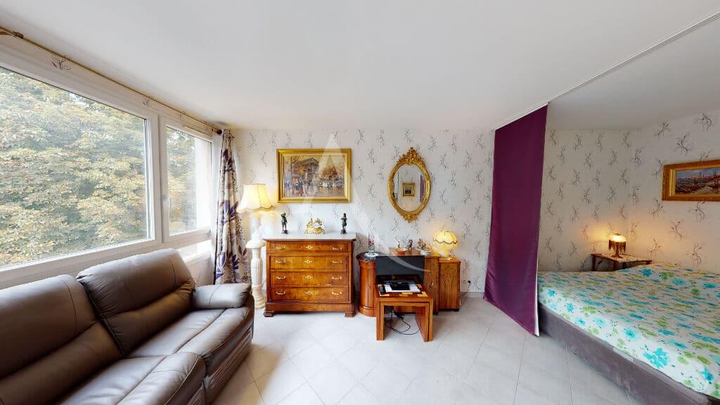 achat appartement maisons alfort:  studio 30 m² refait à neuf, séjour avec son coin chambre séparé, proche mairie et commerces