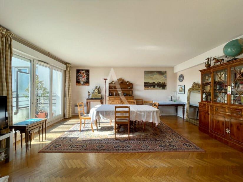 achat appartement alfortville: 4 pièces 98 m², séjour lumineux de 32 m², balcon et terrasse vue sur jardin, double parking en sous-sol