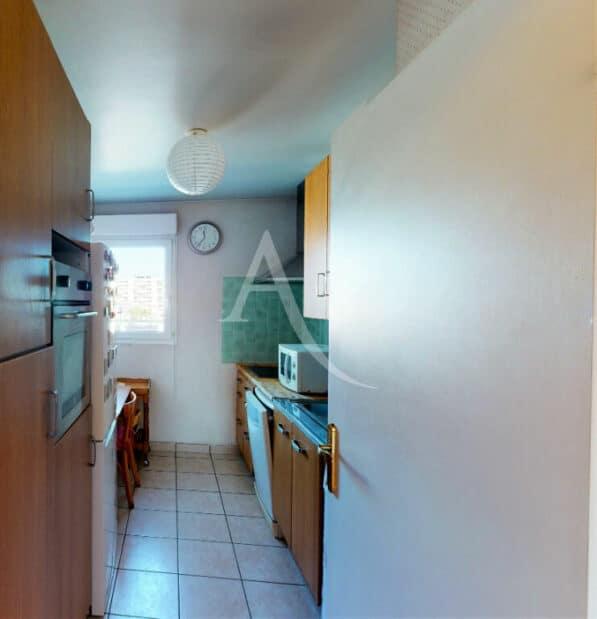 agence immobilière alfortville: 4 pièces 98 m², cuisine indépendante aménagée et équipée