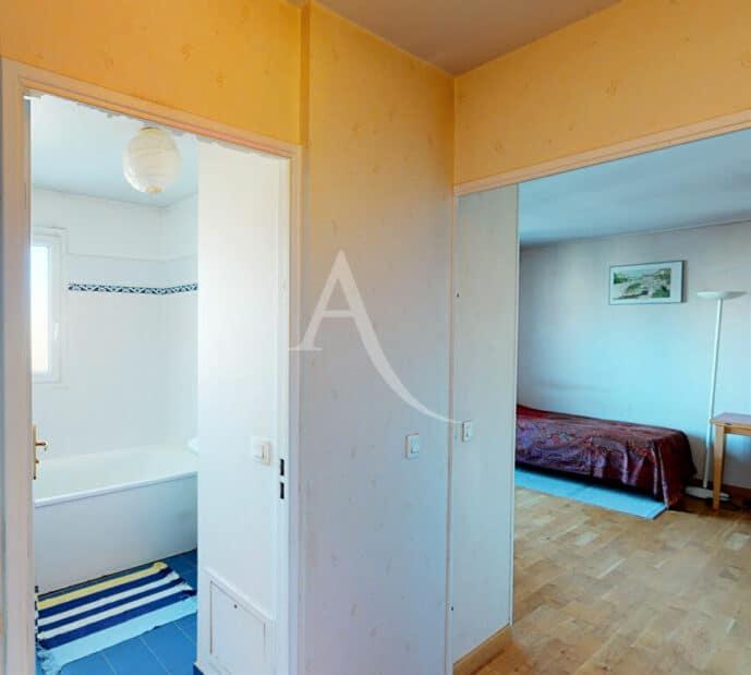 immobilier neuf alfortville: 4 pièces 98 m², salle de bain avec baignoire, sèche-serviettes