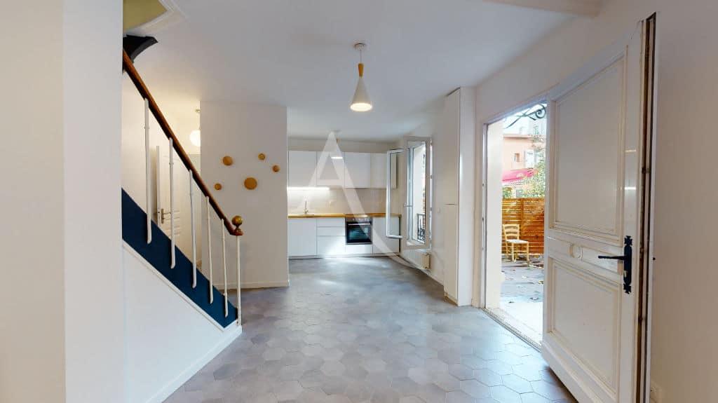 louer maison à alfortville: 3 pièces 63 m², grand éjour avec cuisine ouverte et terrasse