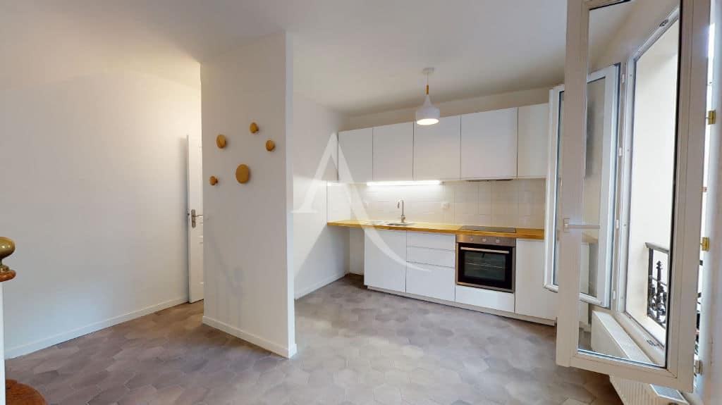 agence l'adresse alfortville: maison 3 pièces 63 m² à louer, séjour avec cuisine ouverte et terrasse