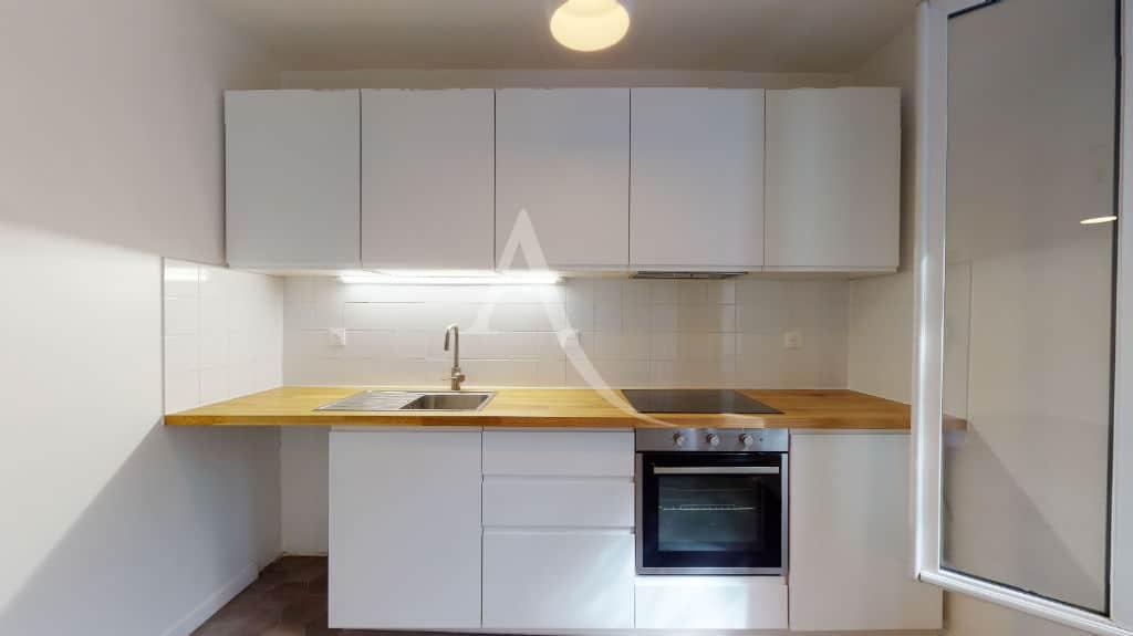 agence immobilière alfortville: maison 3 pièces 63 m² à louer, cuisine ouverte semi équipée