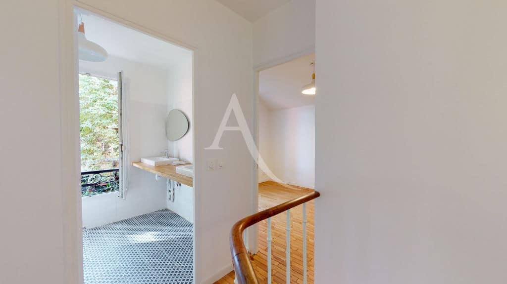 immobilier alfortville: pavillon 3 pièces 63 m² refait à neuf, à louer, palier à l'étage