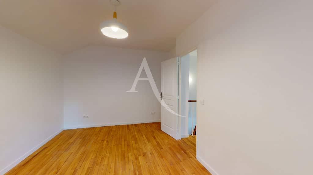 se loger alfortville: location pavillon 3 pièces 63 m², refait à neuf, seconde chambre
