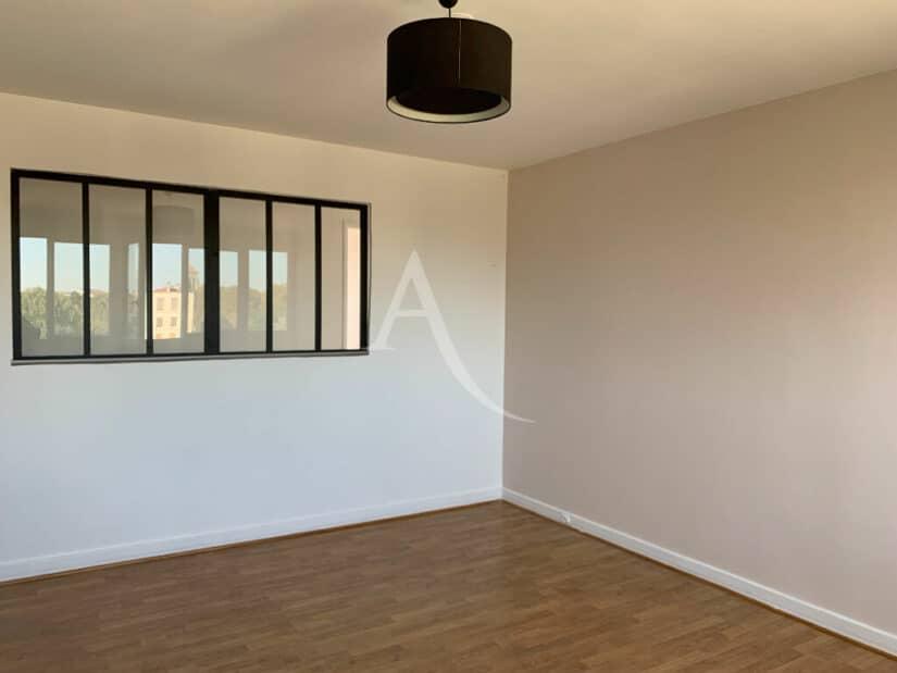 agence immobilière 94: 4 pièces 85 m², séjour avec baie vitrée sur la cuisine