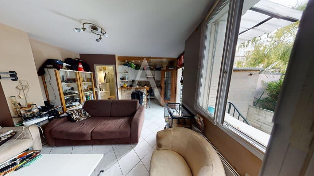 immobilier alfortville: 2 pièces 34 m², bon état général, fibre optique