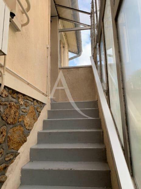 vente maison à maisons-alfort: 4 pièces 119 m², le bien est surélevée sur un sous-sol total