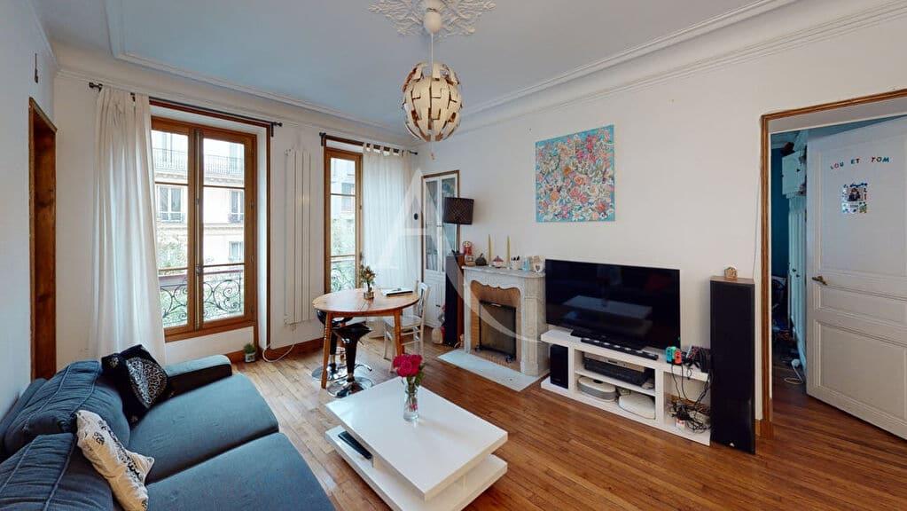 agence d immobilier: vend appartement 4 pièces 76 m², séjour avec parquet chêne