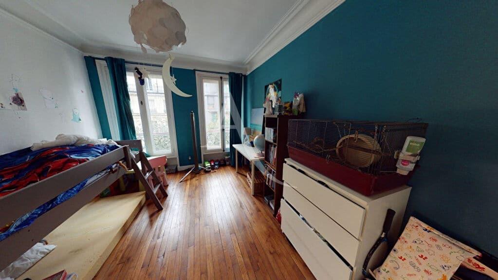 agence immobilière adresse: 4 pièces 76 m², chambre parquet chêne et 2 grandes fenêtres isolées