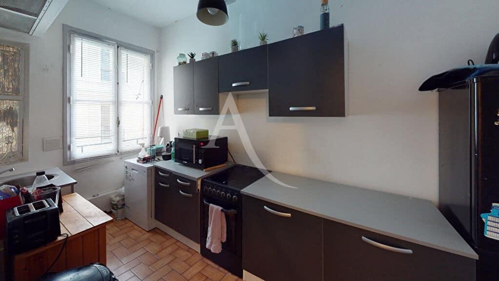 immobilier à acheter: appartement 4 pièces 76 m², avec cuisine indépendante
