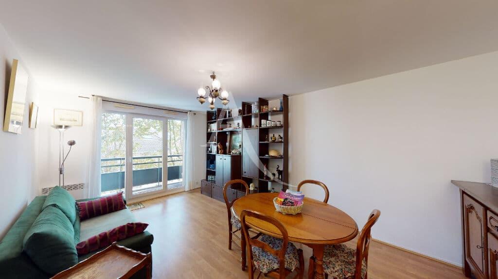 achat appartement alfortville: 3 pièces 71 m², séjour exposé est, accès à une loggia de 3 m²