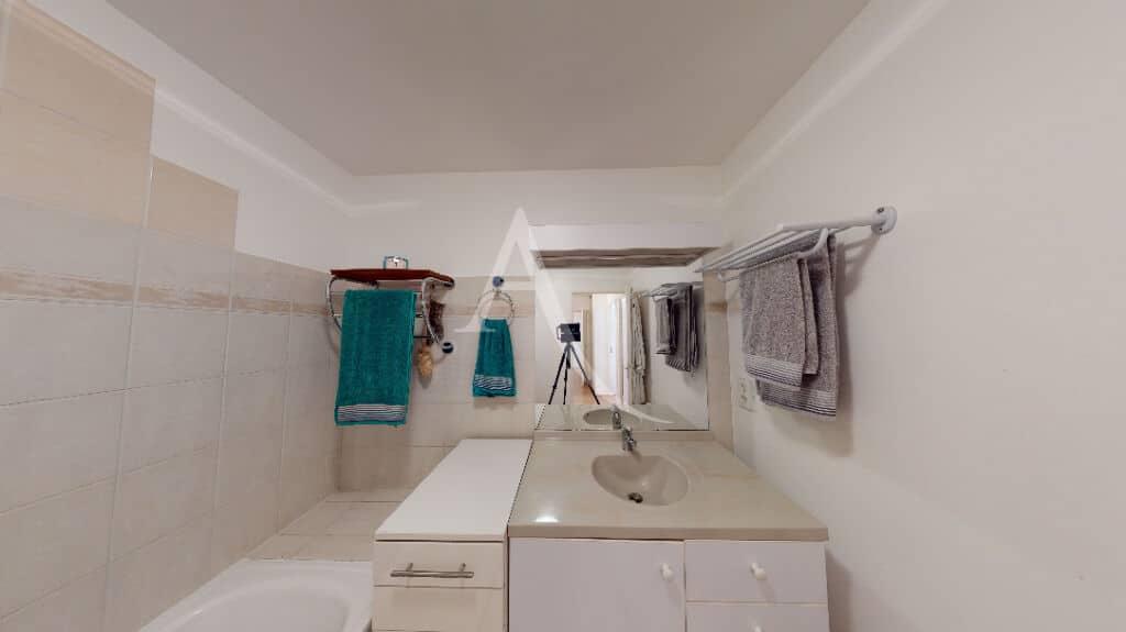 appartement à vendre à alfortville: 3 pièces 71 m², salle de bains avec baignoire , wc séparés