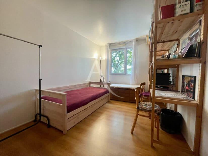 alfortville vente appartement: 3 pièces 71 m², première des deux chambres avec parquet