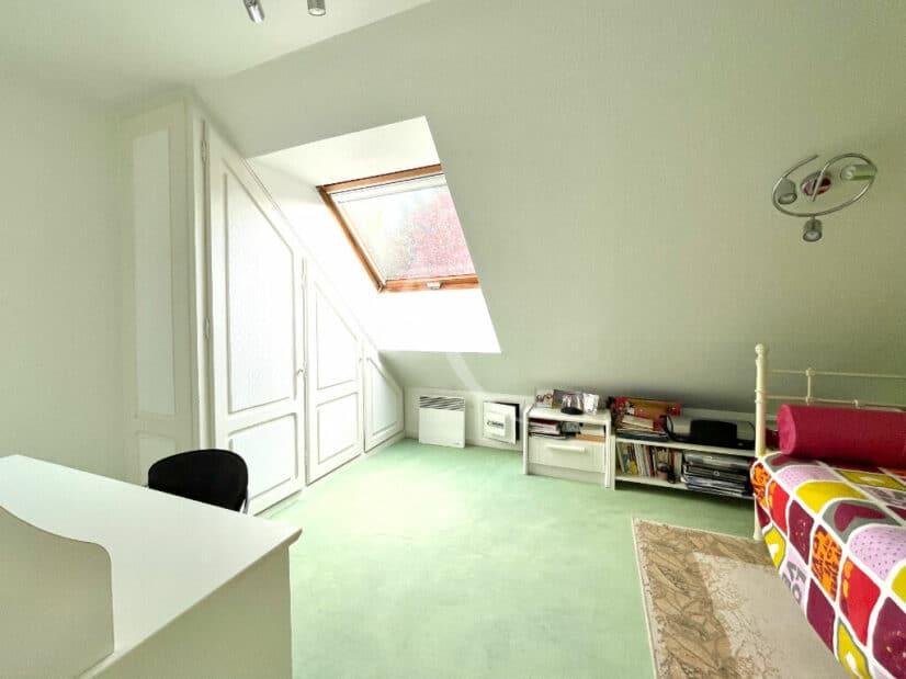 agence d immobilier: vente maison 10 pièces 270 m², seconde des 5 chambres
