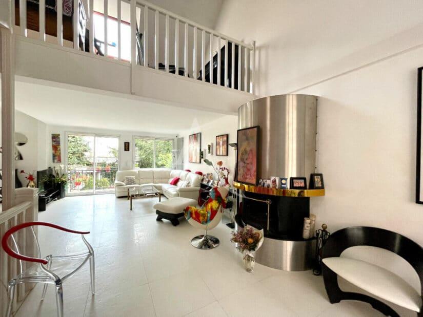 l4adresse: maison non mitoyenne 10 pièces 270 m², superbe triple séjour avec cheminée