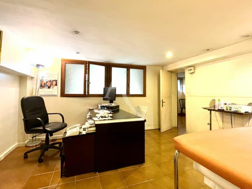 adresse valerie immobilier: maison 10 pièces 270 m² à vendre, avec bureau aménagé en sous sol