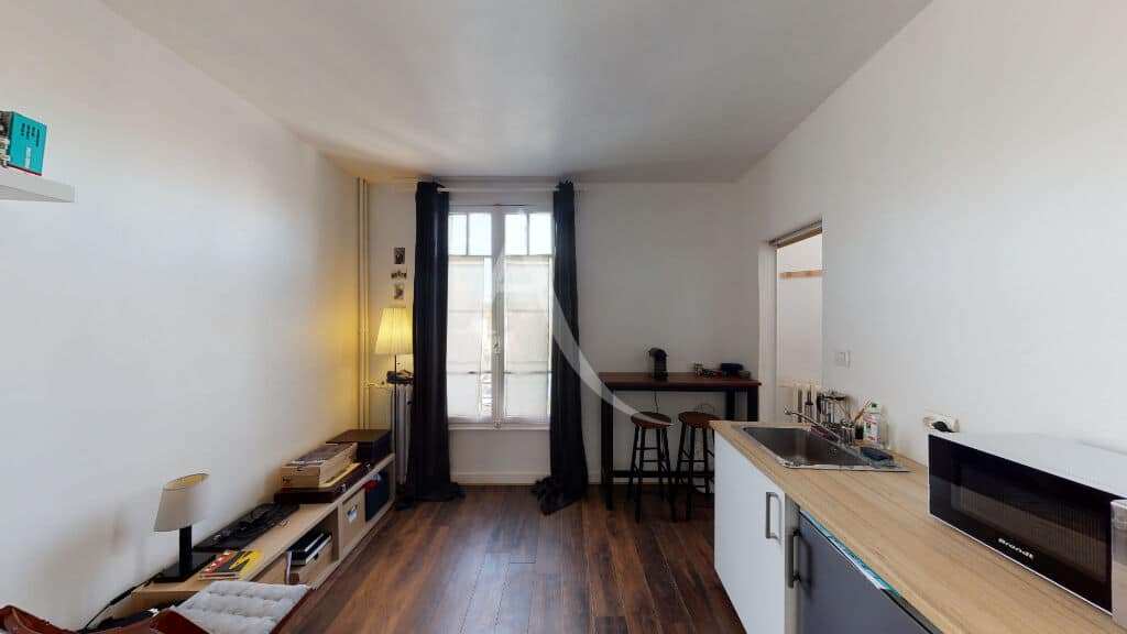 studio à vendre à maisons alfort: 18 m², vue dégagée,belle hauteur sous plafond