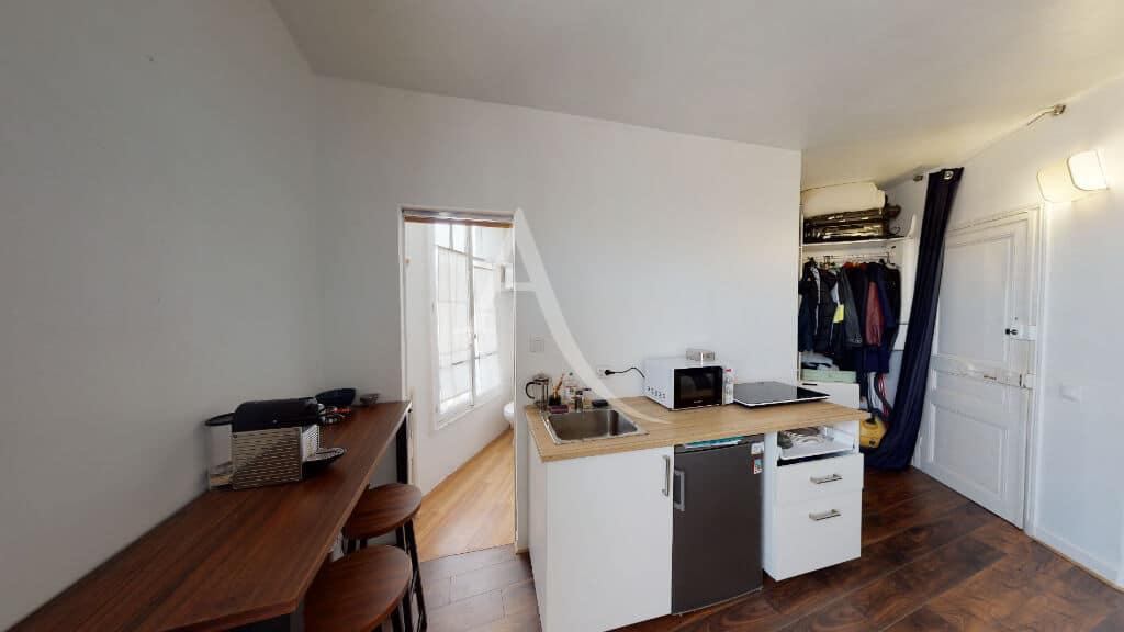 vente studio à maisons alfort: 18 m², cuisine ouverte équipée, salle d'eau et wc