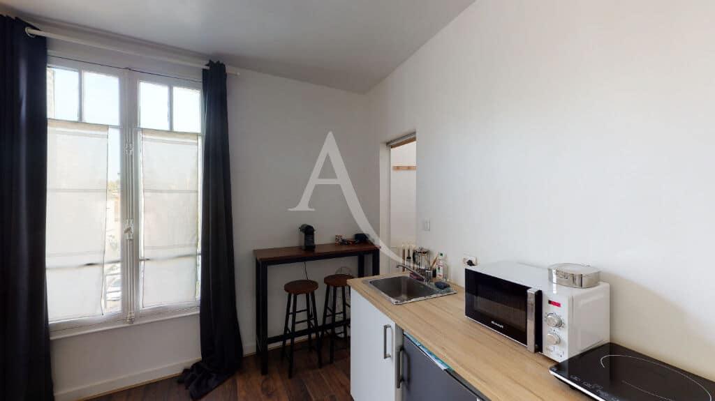 vente studio à maisons-alfort: 18 m² belle hauteur sous plafond, proche métro