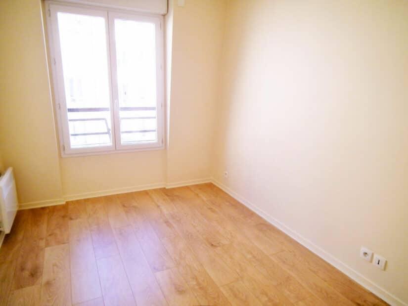 agences immobilières charenton le pont: 2 pièces 34 m², chambre avec parquet massif en chêne